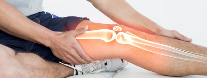 What are the symptoms of knee ligament injuries